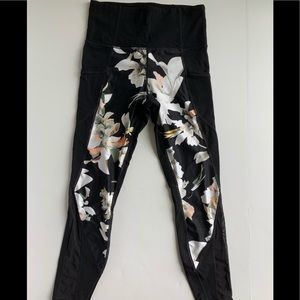 Athleta stash pocket floral salutation Powervita